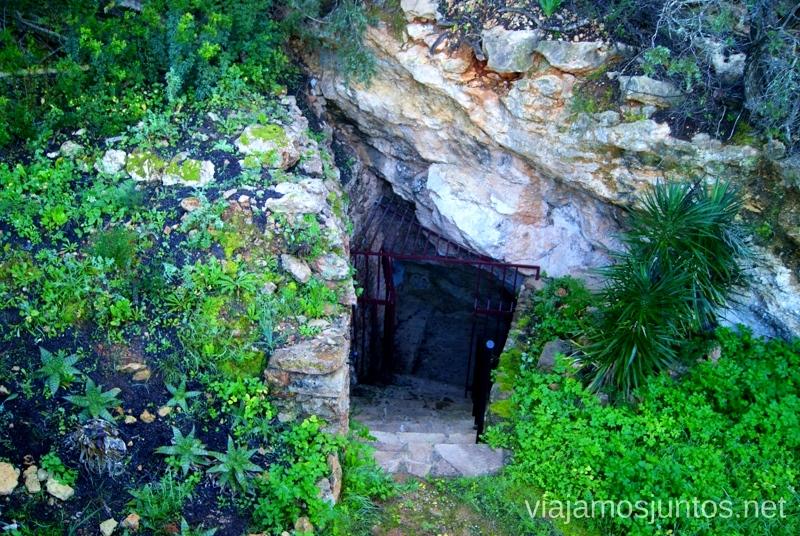 La entrada al santuario Rincones curiosos de Ibiza. Que ver y que hacer en la isla. Baleares