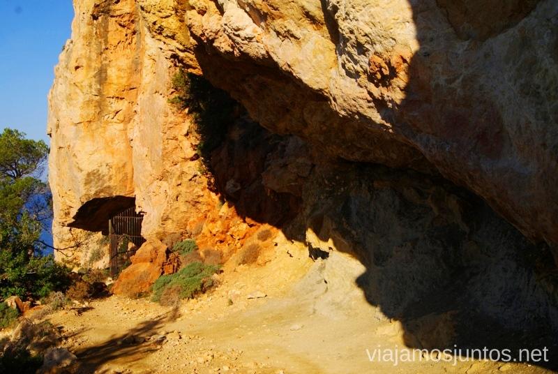 Pinturas rupestres Rincones curiosos de Ibiza. Que ver y que hacer en la isla. Baleares