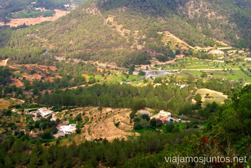 Ibiza en detalle Rutas de senderismo fáciles por la isla de Ibiza. Invierno o verano. Playa, montaña y calas secretas
