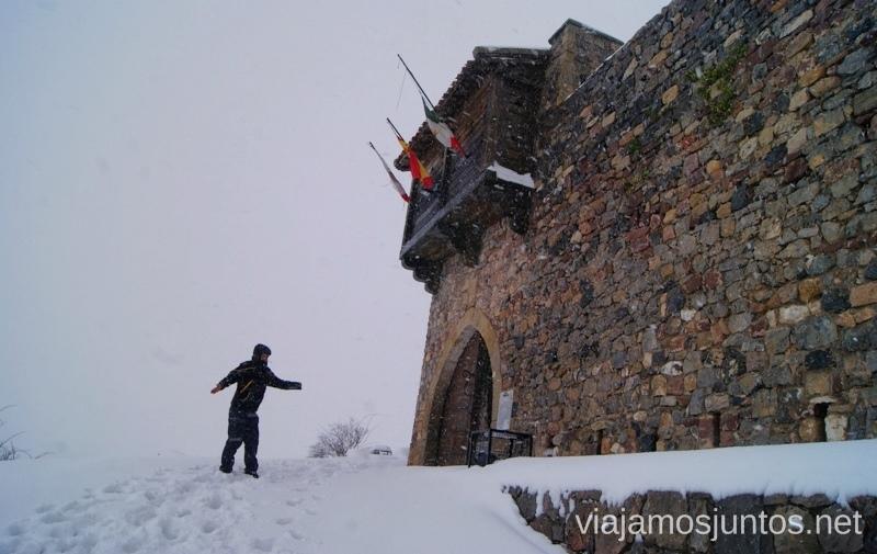 Por fin... llegamos al castillo de Argüeso, entre nieve y viento El Sur de Cantabria, que ver y que hacer Lugares más desconocidos y sorprendentes