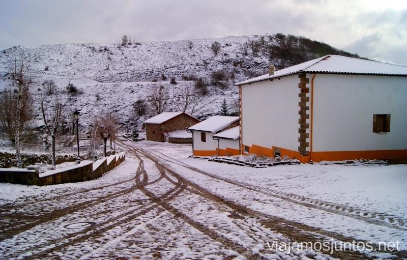 Pueblos bajo nieve Vivir invierno en Cantabria frío, nieve y experiencias únicas