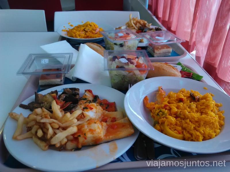 La rica comida a bordoRuta por el Norte de Marruecos, como llegar de España a Marruecos en barco