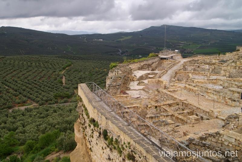 Desde la Fortaleza de la Mota vigilando los alrededores Ruta de los castillos y batallas, Jaén, Andalucía