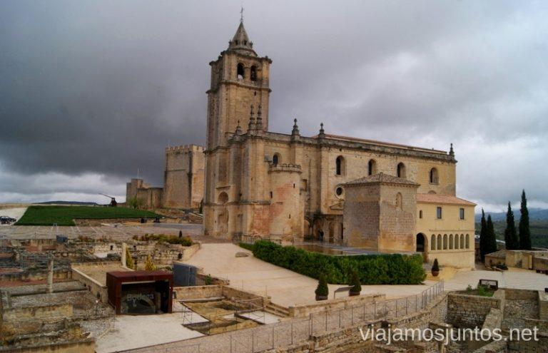 La iglesia, reformada y grandiosa, Fortaleza de la Mota Ruta de los castillos y batallas, Jaén, Andalucía