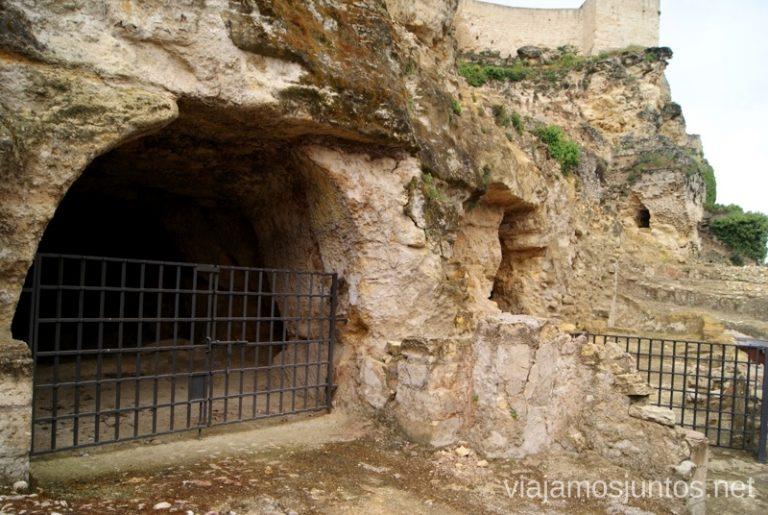 Las bodegas antiguas de la fortaleza de la Mota Ruta de los castillos y batallas, Jaén, Andalucía