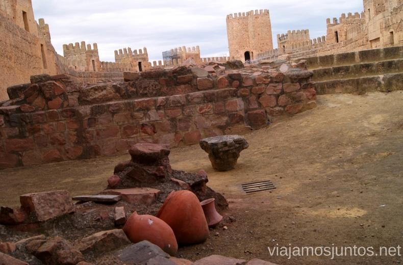 Donde se juntan las tres épocas, castillo Baños de la Encina Ruta de los castillos y batallas, Jaén, Andalucía