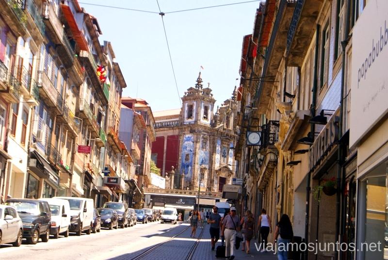 Azulejos y calles Visitar Oporto, Portugal Que ver y que hacer en Porto #ViajarConSuegra