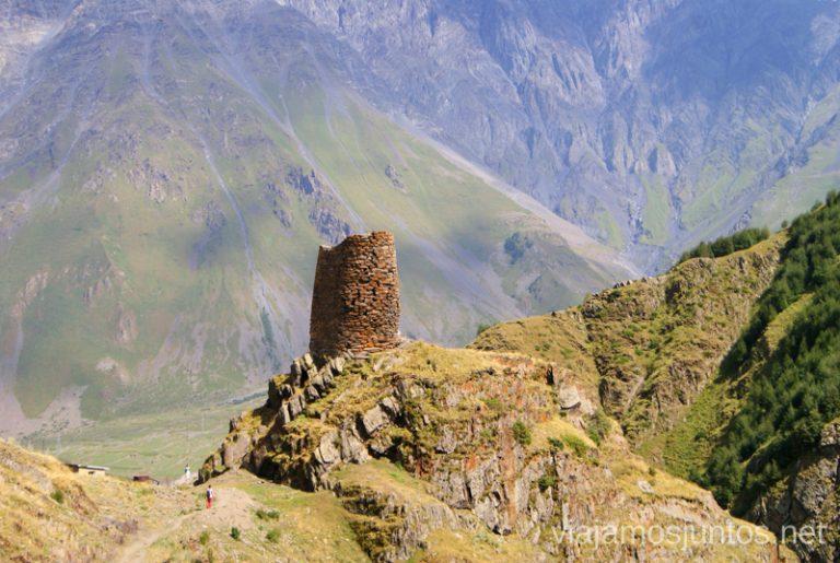 Torre de vigilancia, Stepantsminda Que ver en Kazbegi, Georgia