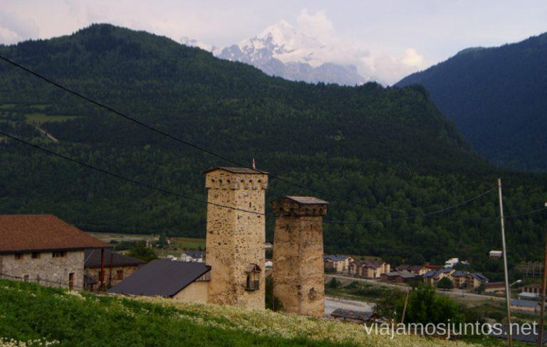 Koshkas de Mestia, Svaneti, Georgia Ruta de senderismo a la Cruz de Mestia