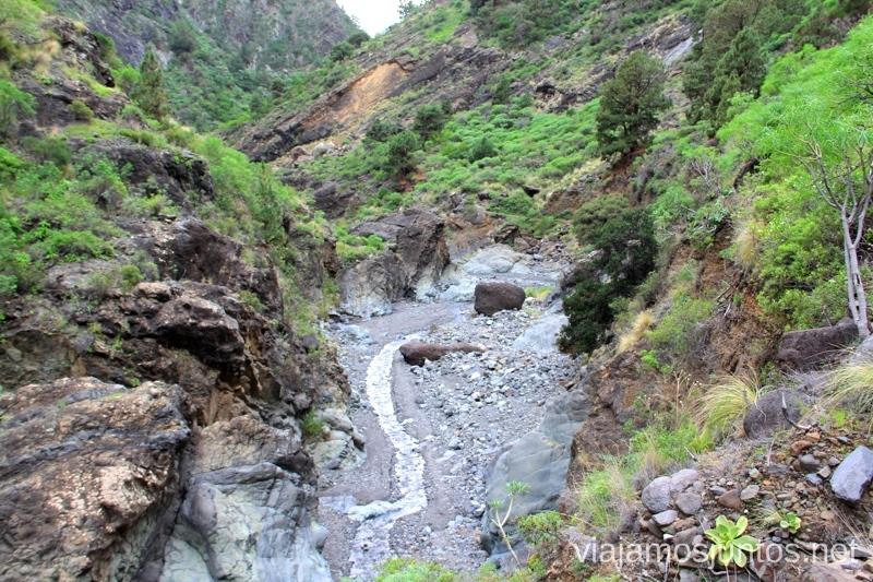 Sigue el barranco de las Angustias para salir de la Caldera de Taburiente Ruta de la Caldera de Taburiente, La Palma, Islas Canarias