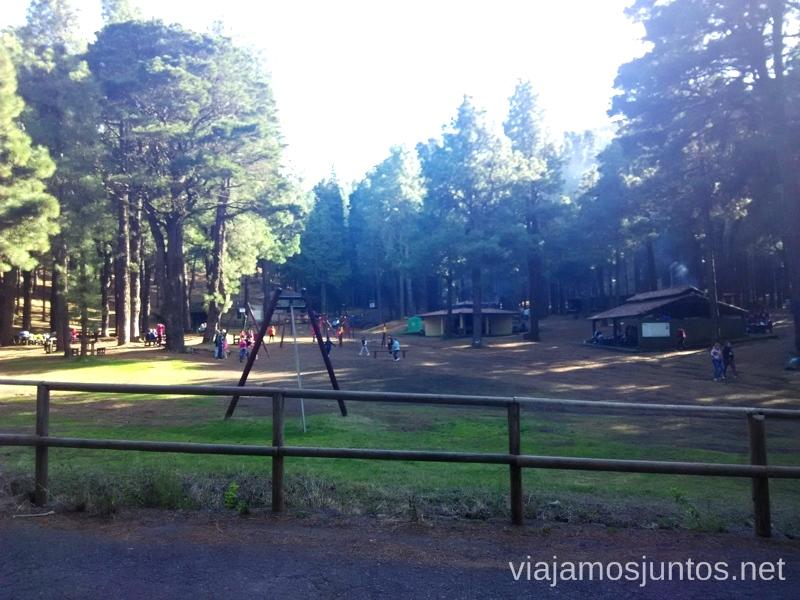 Zona recreativa del Refugio de El Pilar. La ruta empieza al fondo Ruta de los Volcanes, en la isla de la Palma, Islas Canarias #LaPalmaJuntos