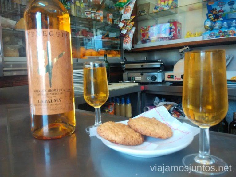 Un viñito de Malvasia en los Canarios, bar La Parada (a 300 m de la parada de autobús) Ruta de los Volcanes, en la isla de la Palma, Islas Canarias #LaPalmaJuntos