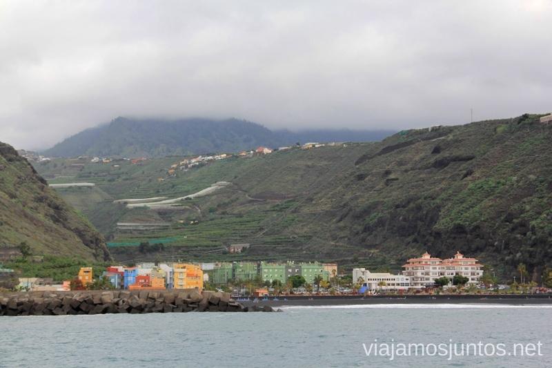Tazacorte desde el mar. Barranco de las Angustias a la derecha Que hacer en la Palma, 4 actividades muy top