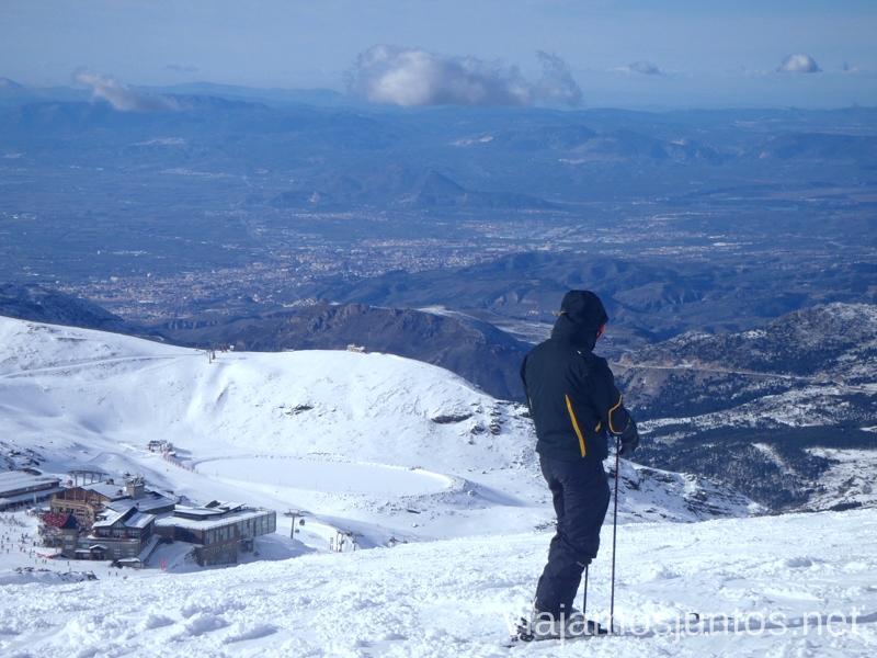 Sierra Nevada no es sólo sol y nieve, también son vistas impresionantes Nuestras estaciones de esquí favoritas. Dónde esquiar y cómo ahorrar