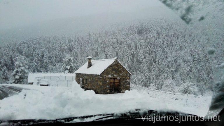 Desde la carretera del albergue de Isín Esquiar en Formigal Donde encontrar mejores ofertas para esquiar barato en la estación de esquí Formigal Grupo Aramón