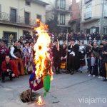 La quema de los peleles como símbolo de purificación Harramachos de Navalacruz, Ávila Mascaradas Abulenses en Gredos Carnavales