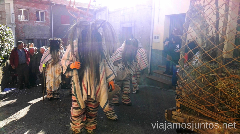 Cucurrumachos aterradores Cucurrumachos de Navalosa, Ávila Mascaradas Abulenses en Gredos Carnavales