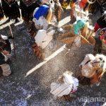 Los círculos girando alrededor del Chopo Cucurrumachos de Navalosa, Ávila Mascaradas Abulenses en Gredos Carnavales