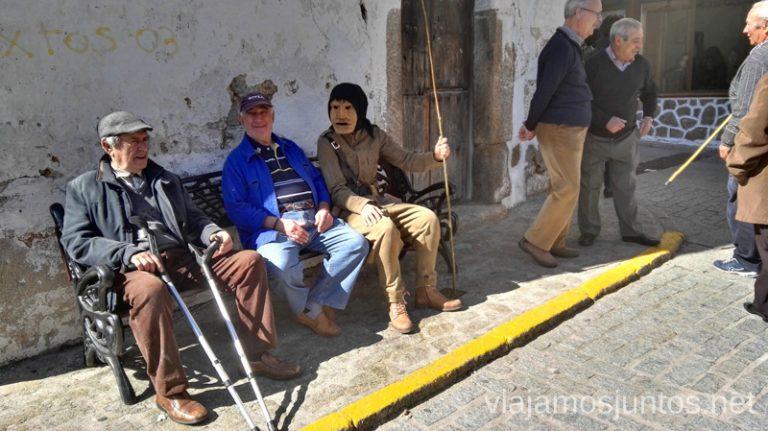 Un machurrero y abuelitos Machurreros de Pedro Bernardo, Ávila Mascaradas Abulenses en Gredos Carnavales