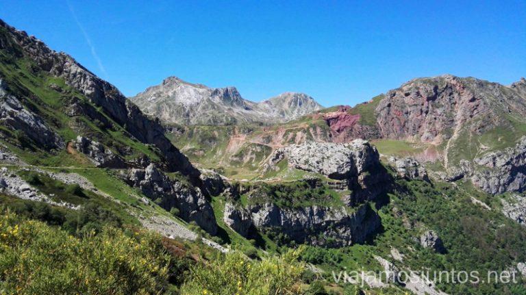 Las montañas ricas en hierro Ruta de los lagos de Saliencia Parque Natural de Somiedo Asturias