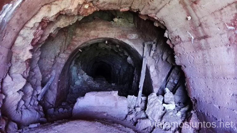 Tunel de la Mina Santa Ríta en Asturias Ruta de los lagos de Saliencia Parque Natural de Somiedo Asturias