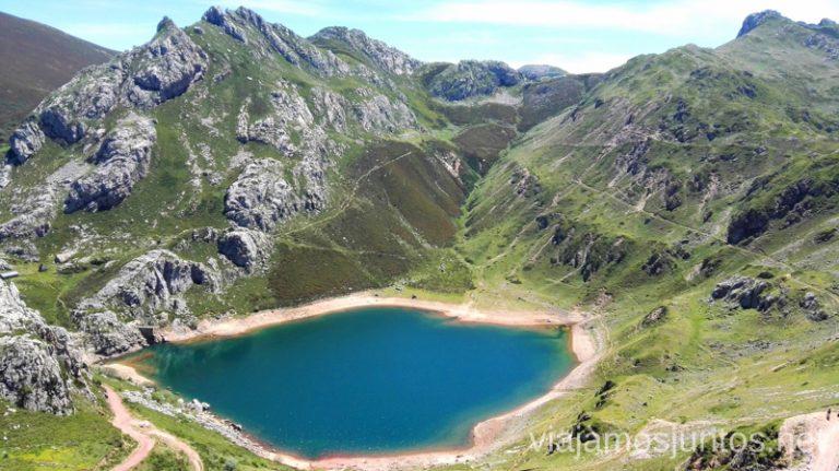Lago de la Cueva - el más famoso de los lagos de Saliencia Ruta de los lagos de Saliencia Parque Natural de Somiedo Asturias