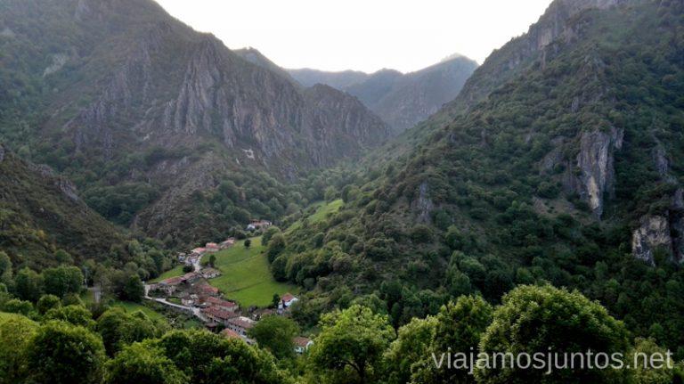 Aguino desde la carretera Ruta en coche por los pueblos con encanto del Parque Natural de Somiedo