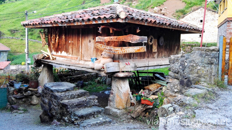 El hórreo de la casa rural El Bedular, Perlunes Ruta en coche por los pueblos con encanto del Parque Natural de Somiedo