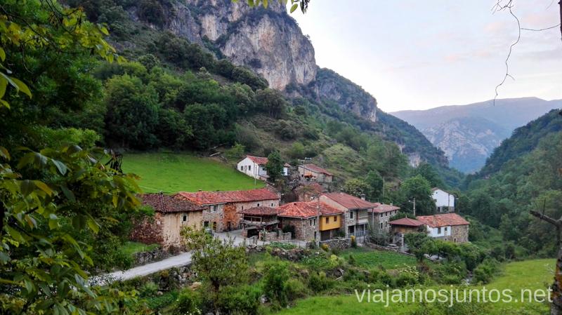 Pueblo de Aguino, Asturias Ruta en coche por los pueblos con encanto del Parque Natural de Somiedo