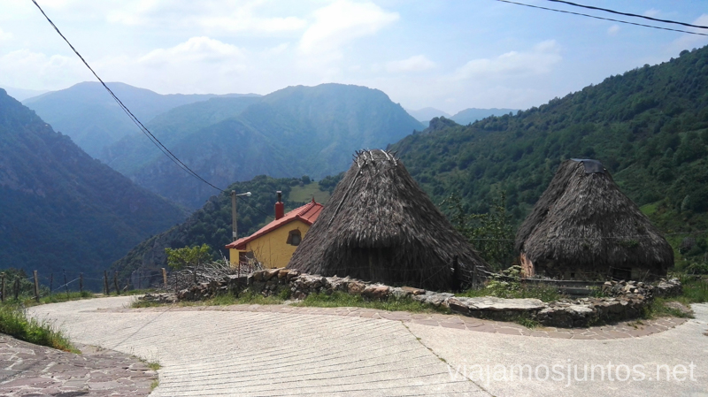 Pueblo Vaqueiro de La Falguera en el Valle de Saliencia Ruta en coche por los pueblos con encanto del Parque Natural de Somiedo