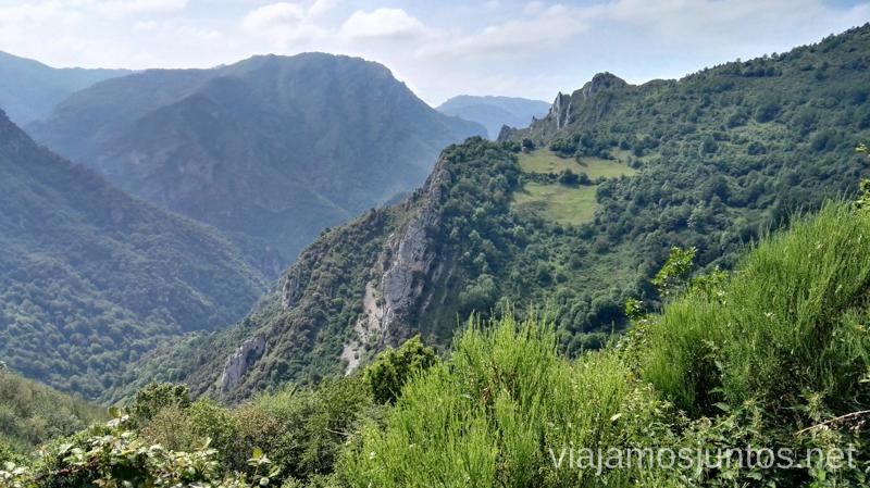 Vistas desde la carretera Veigas - la Falguera Ruta en coche por los pueblos con encanto del Parque Natural de Somiedo