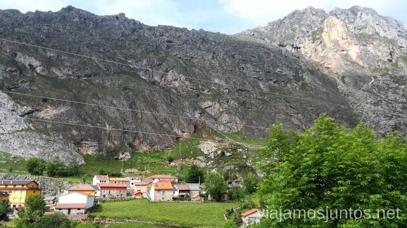 Vistas al Valle del Lago desde su iglesia, Parque Natural de Somiedo Ruta en coche por los pueblos con encanto del Parque Natural de Somiedo