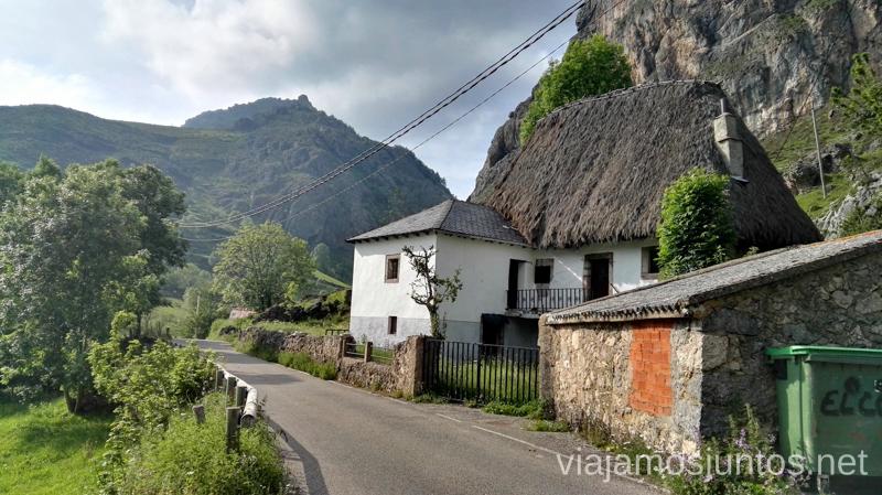 El Pueblo Valle del Lago, en Somiedo Ruta en coche por los pueblos con encanto del Parque Natural de Somiedo