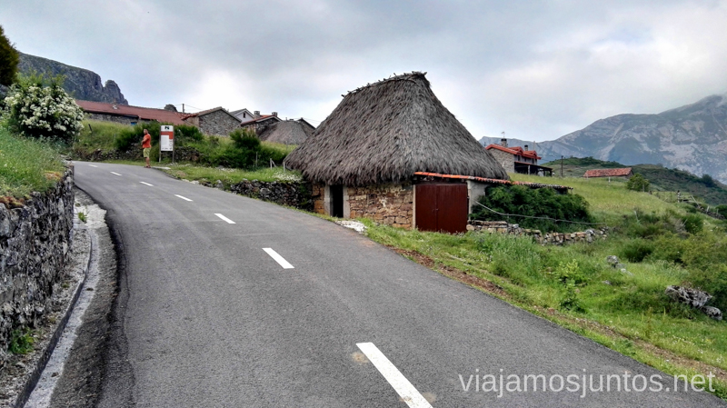 Entrada a la Peral, las cabañas Ruta en coche por los pueblos con encanto del Parque Natural de Somiedo