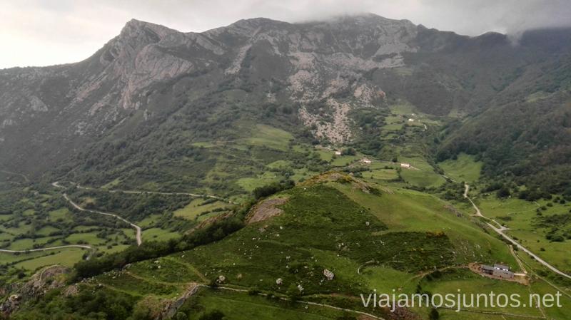 Desde el Mirador del Príncipe (o Mirador de la Peral) Ruta en coche por los pueblos con encanto del Parque Natural de Somiedo