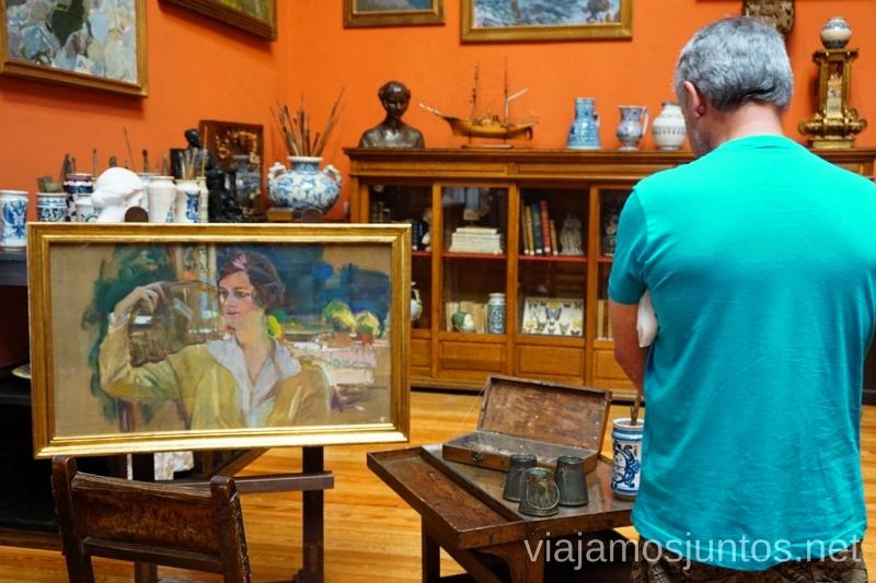 Contemplando arte en el Museo de Sorolla #ViajarConSuegra Cómo viajar con padres o gente mayor y no morir en el intento