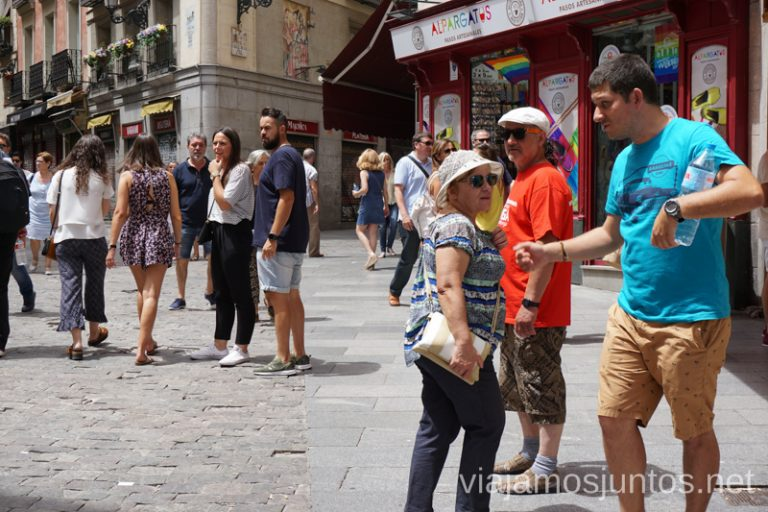 Callejeando por Madrid en Viajar Con Suegra #ViajarConSuegra Cómo viajar con padres o gente mayor y no morir en el intento