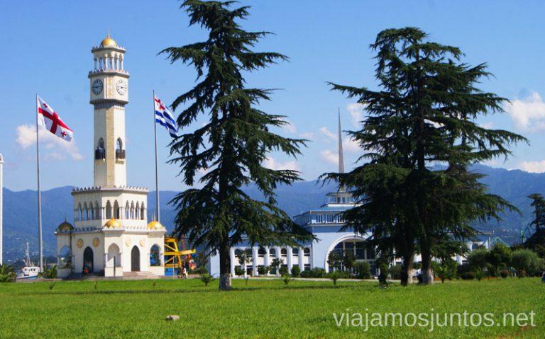 El Faro de Batumi Qué ver y hacer en la costa de mar Negro de Georgia Información práctica Batumi Kobuleti Ureki