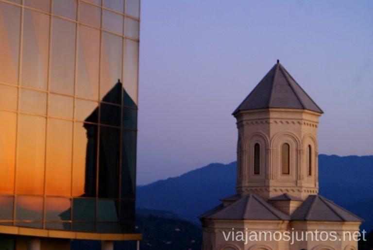 Monasterio de Sameba en lo alto de Batumi Qué ver y hacer en la costa de mar Negro de Georgia Información práctica Batumi Kobuleti Ureki