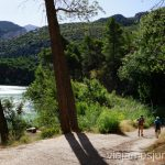 La senda de acceso a la parte de pasarelas del Caminito del Rey Todo lo que necesitas saber sobre el Caminito del Rey en Málaga