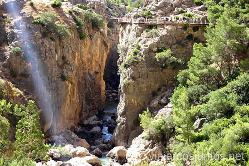 Puente antiguo en las pasarelas del Caminito del Rey Todo lo que necesitas saber sobre el Caminito del Rey en Málaga
