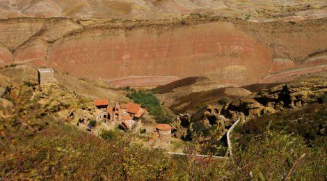 La Lavra de David desde arriba Cómo visitar el complejo monástico David Gareja en Georgia