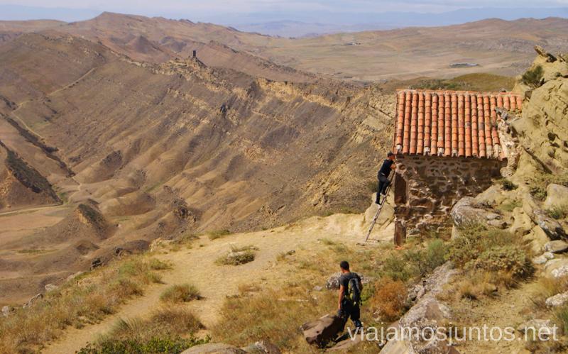 Un desvío a la capilla Cómo visitar el complejo monástico David Gareja en Georgia