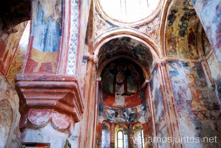 Frescos en una de las iglesias del Monasterio Gelati Monasterio de Gelati y Monasterio de Motsameta Qué ver y hacer en Kutaisi y alrededores Georgia