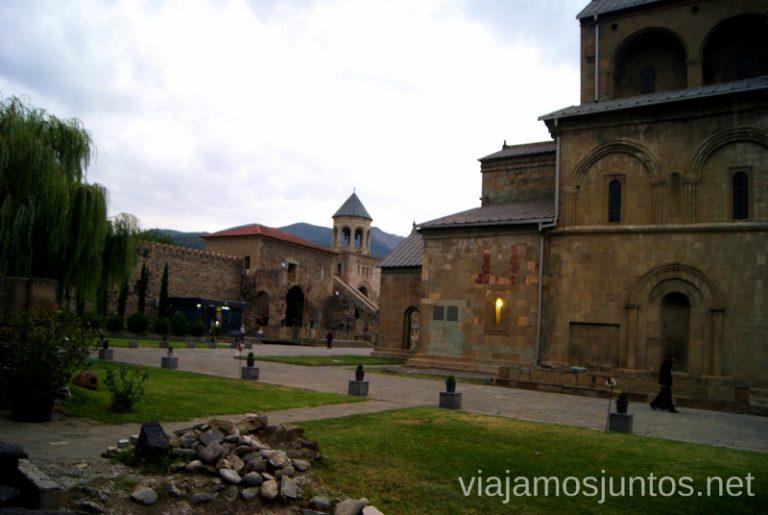 El recinto de la Catedral Svetitsjovelien Mtskheta Qué ver en Mtskheta, información práctica de Mtskheta