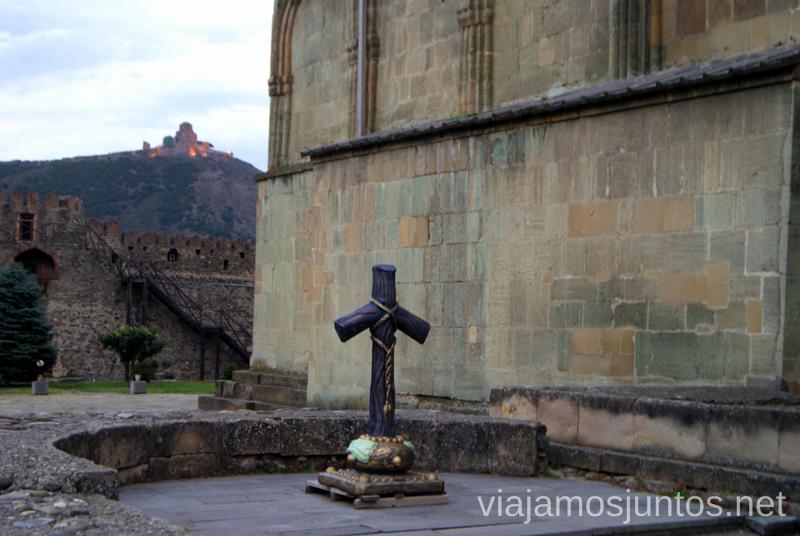 La cruz de Santa Ninó, Catedral SvetitsjoveliQué ver en Mtskheta, información práctica de Mtskheta