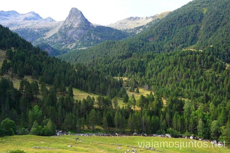 Comienzo/Final de la ruta de los 3 refugiosRuta de los 3 refugios por el Parque Natural Posets-Maladeta, Pirineo Aragonés Aragón