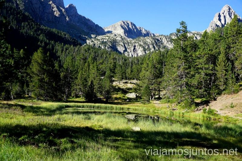 Una parada para descansar Ruta de los tres refugios por el Parque Natural Posets-Maladeta, Pirineo Aragonés Aragón