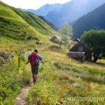 Comenzando la ruta de los tres refugios en Viadós Ruta de los tres refugios por el Parque Natural Posets-Maladeta, Pirineo Aragonés Aragón