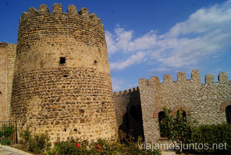 La muralla de Signagi desde fuera Qué ver en Signagi, Georgia. Información práctica